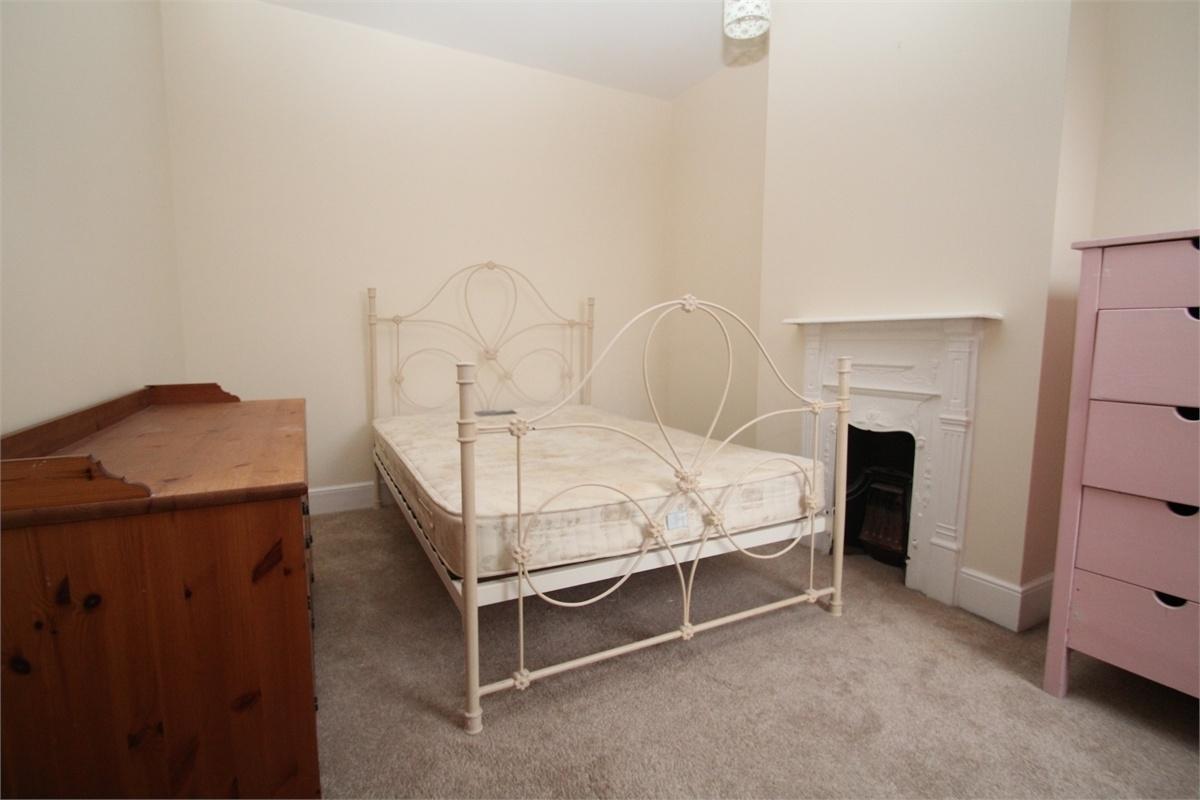 2 bedroom terraced house to rent, Alexandra Road, Uxbridge